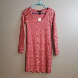 Mauve Lace bodycon dress